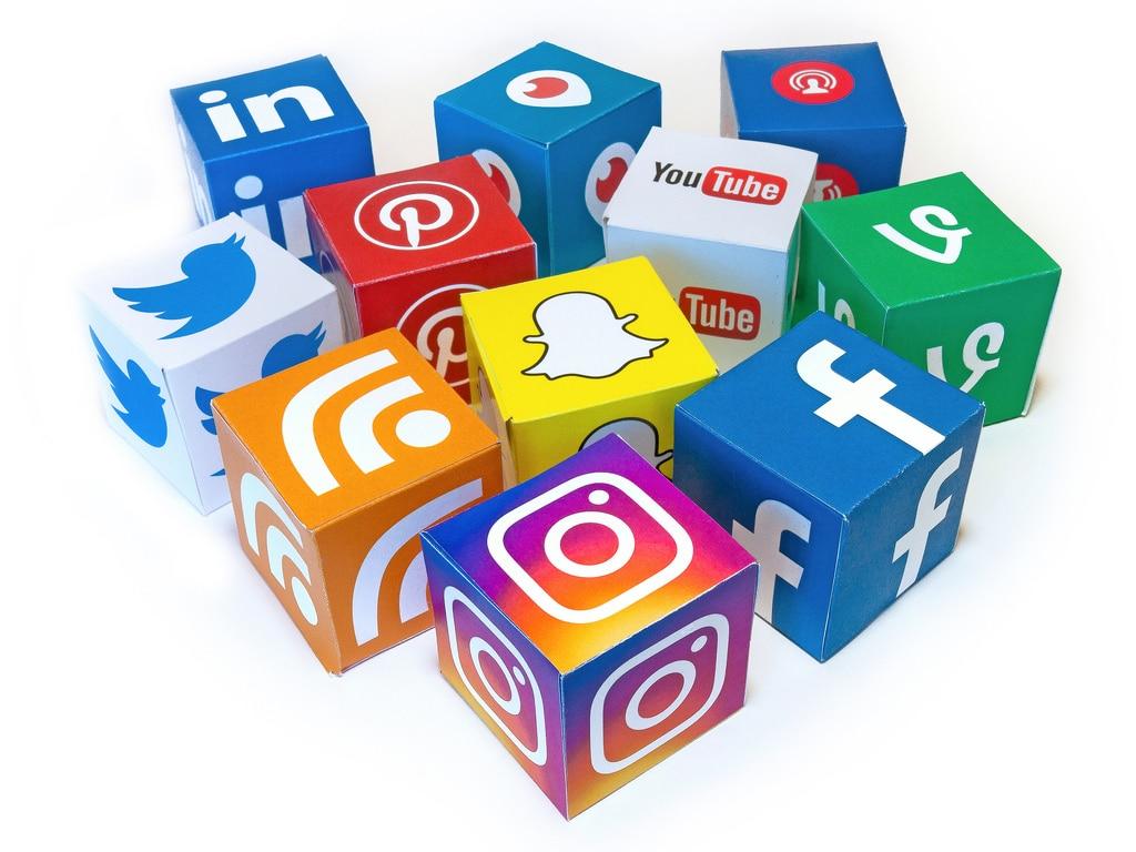 Email Marketing List: Social Media
